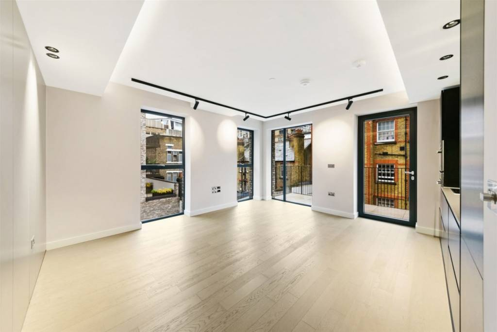 2.08 Chapter House, 25-37 Parker Street, London, WC2B 5AN - Image 1