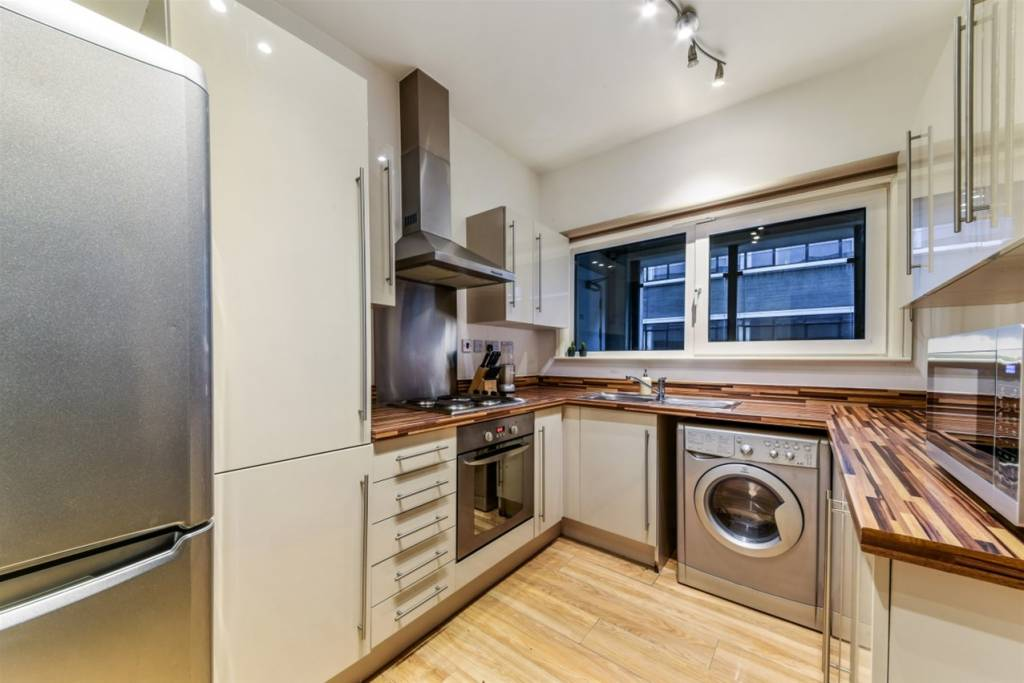 Flat 83, 3 Cornell Square, London, SW8 2ER - Image 3
