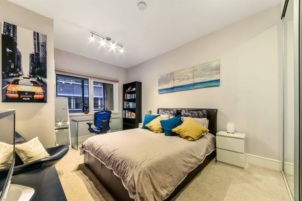 Flat 83, 3 Cornell Square, London, SW8 2ER - Image 5