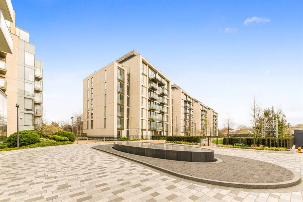Flat G09, 4 Lillie Square, London, SW6 1GA - Image 1