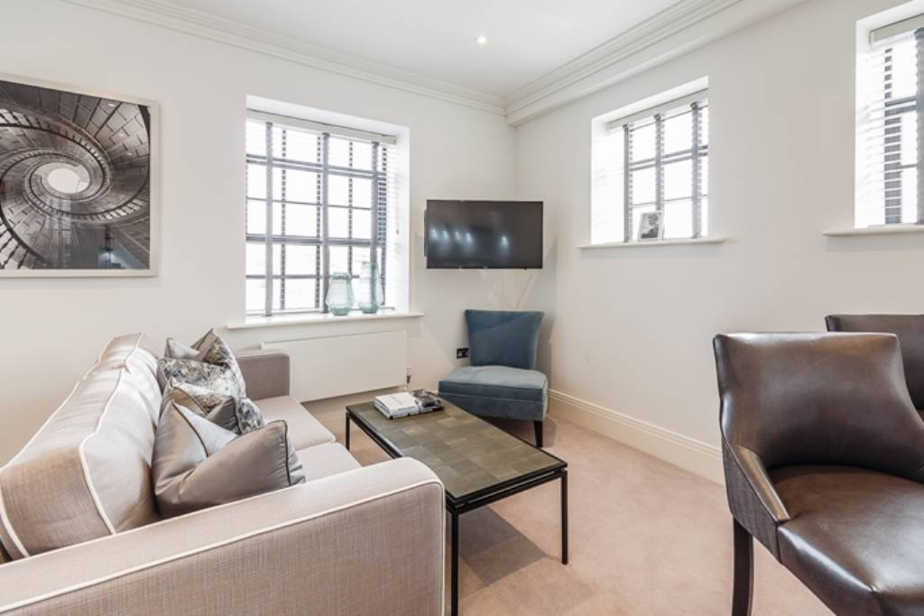 Flat 15, Palace Wharf Apartments, Rainville Road, W6 9UF -  Image 1