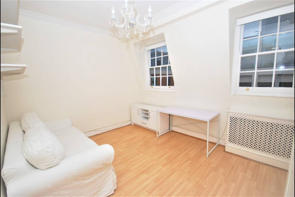 17 Bray House, Duke Of York Street, London, SW1Y 6JX - Image 1